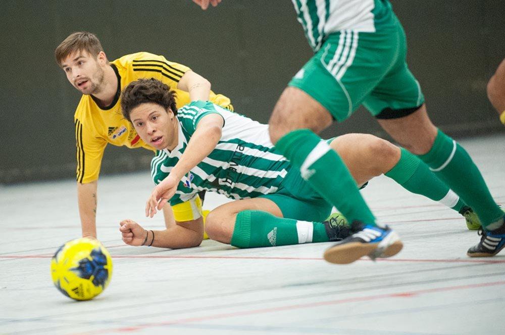 Tolv timmar futsal - spelprogrammet för Seniorcupen