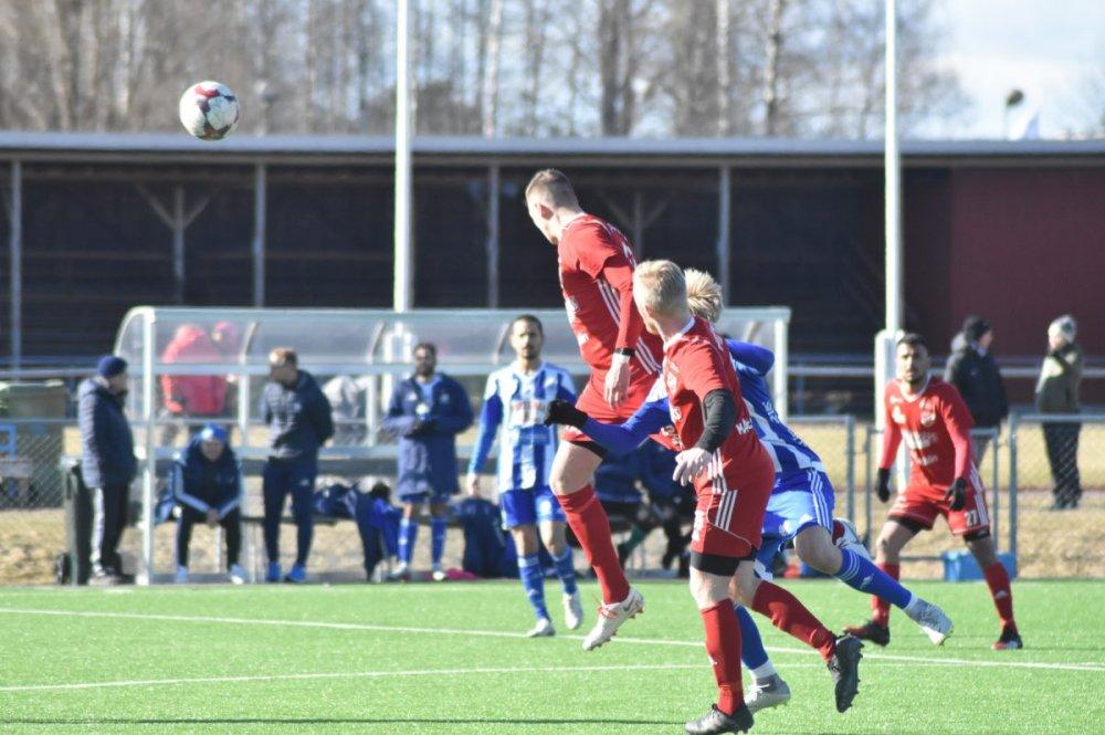 Bildspel från Sala FF:s träningsmatch på Avestavallen