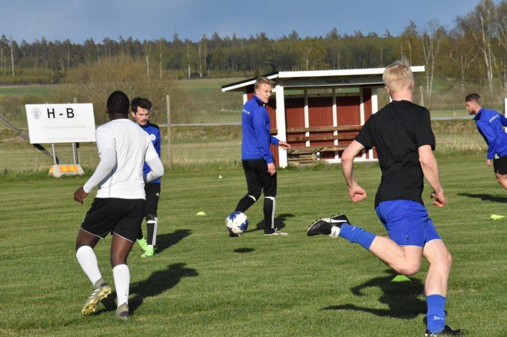 """Västerfärnebo AIK:s tränare: """"Inte säker på att det blir spel"""""""