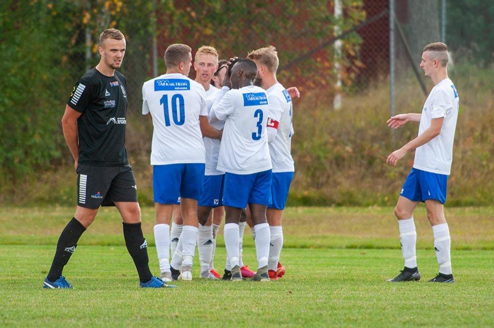 Två segrar samt lite hjälp - då vinner Västerfärnebo AIK femman