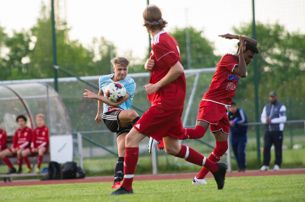 Bildspel från när FK Sala träningsspelade mot Sala FF:s juniorer