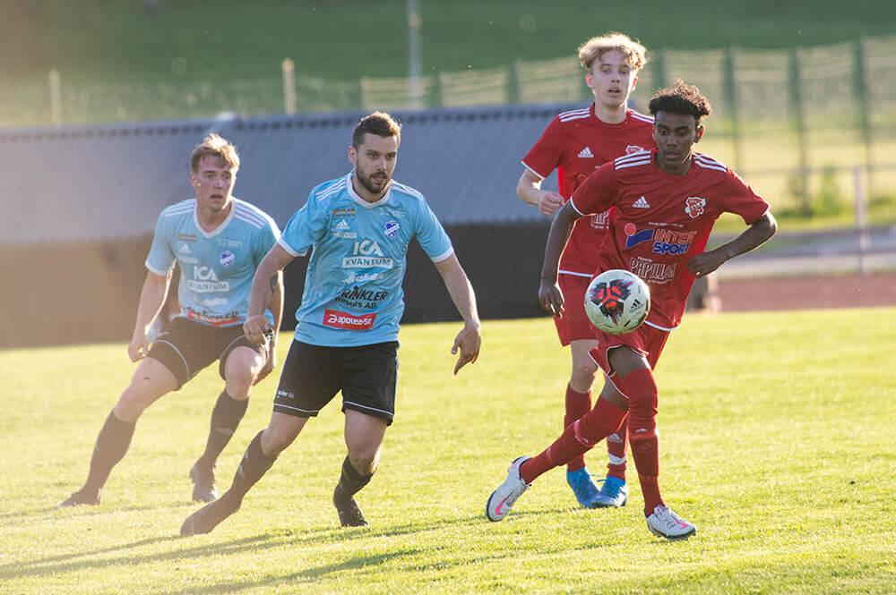 Efter en halvlek lyfte FK Sala spelet - föll ändå